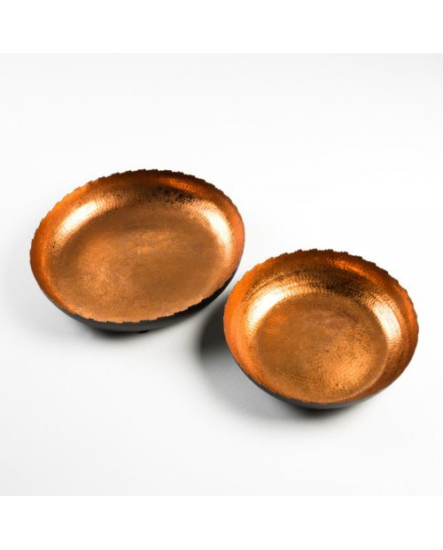 Bowl modelo Abelard. Metal color negro y cobre