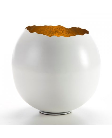 Bowl modelo Broken egg. Metal blanco y oro